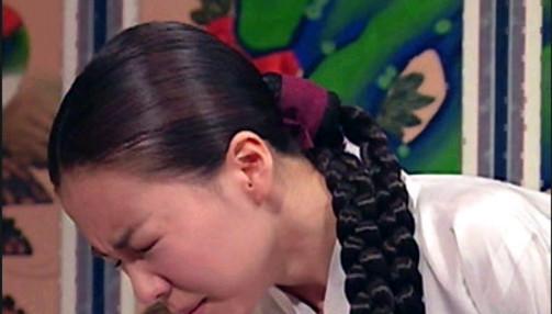 2002년-2003년 KBS2 드라마 '장희빈'에 등장한 인현왕후(박선영 역)