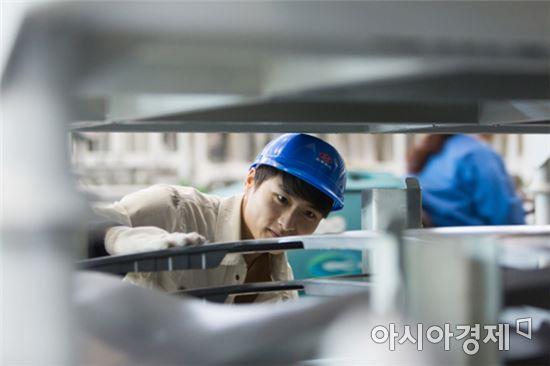 북경현대차 공장의 근로자.<자료사진>