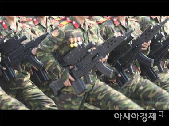 북한은 김일성 105주년 생일 기념 열병식때 국산 K11 복합소총와 유사한 소총을 등장시켰다.