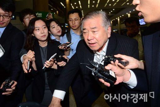 """문정인 """"북핵 인정해야…우리의 핵 보유는 어려워"""""""