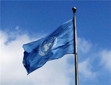 유엔, 北인권결의안 채택…이산가족 상봉, 억류자 합당조치 요구 포함