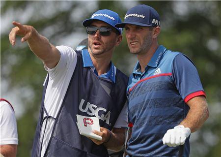 세계랭킹 1위 더스틴 존슨(미국)은 PGA투어 데뷔 때부터 남동생 오스틴을 캐디로 고용해 성공신화를 일궜다.