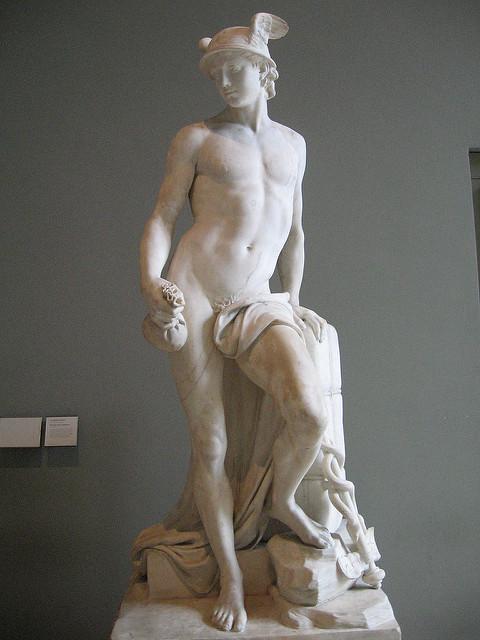 그리스 로마 신화에서 전령의 신이었던 헤르메스 석상(사진=위키피디아)