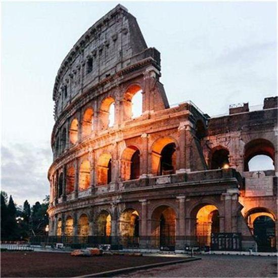10위 콜로세움(이탈리아 로마)