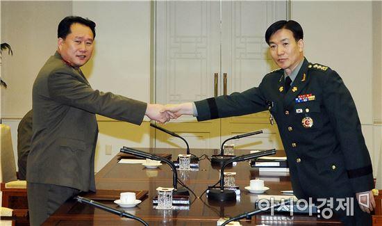 <h1>[양낙규의 Defence Club]남북회담 제의… 군사회담까지 이어가나</h1>
