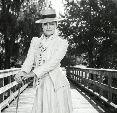 렉시 톰슨이 LPGA투어 복장 규제에 항의하는 의미로 인스타그램에 올린 복고풍 스타일 의상 사진.