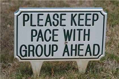해외에서 라운드를 할 때는 신속한 진행을 위한 룰인 '플레이 스루(play through)'를 숙지해야 한다.