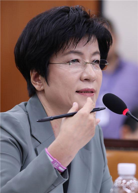 [이미지출처=연합뉴스]김영주 고용노동부 장관 후보자.