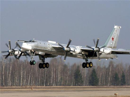러시아 공군의 장거리전략폭격기 TU-95MS의 모습. 사진 = 러시아 공군(мультимедиа.минобороны)