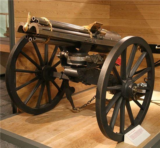 19세기 당시 사용하던 개틀링 건의 모습(사진=위키피디아)