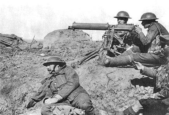 1차 대전 당시 수많은 사람을 죽음에 이르게 한 기관총(사진=위키피디아)