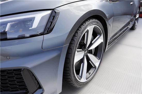 아우디 '뉴 RS5 쿠페'에 장착된 한국타이어의 '벤투스 S1 에보2'