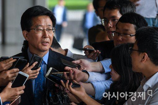 검찰 '국정원 댓글'  민병주 전 심리전단장 2차 소환 조사 중