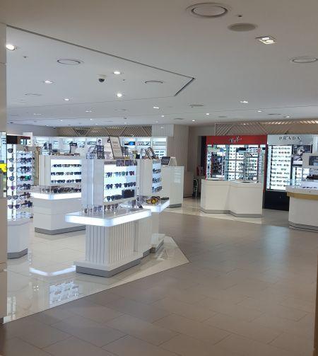 지난 주말 서울 인사동에 위치한 SM면세점 3층 선글라스 매장.