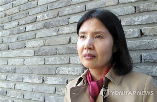 최영미 시인 [연합뉴스 자료사진]