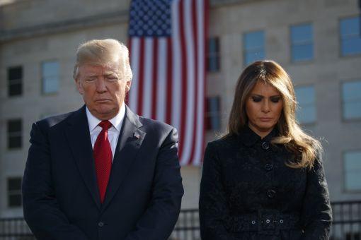 [이미지출처=연합뉴스]11일(현지시간) 도널드 트럼프 미국 대통령과 부인인 멜라니아 여사가 美 펜타곤에서 911 테러 희생자들을 추모하고 있다.