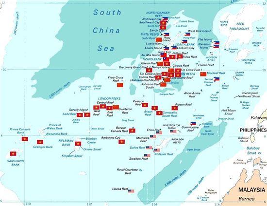 중국이 일방적으로 주장하는 남해9단선 내에서 가장 격렬한 분쟁이 진행 중인 난사군도 일대. 각국이 주변 도서 일대 영유권을 서로 주장하고 있다.(사진=위키피디아)