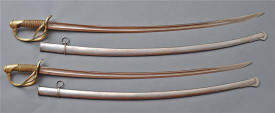 19세기 기병용 군도로 쓰던 세이버(saber). 프랑스식으로는 사브르(sabre)라 불렸다.