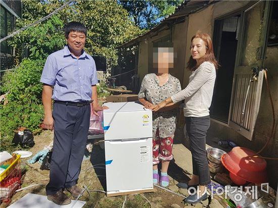 장흥읍지역사회보장協, '눈높이 복지' 독거노인에 냉장고 선물