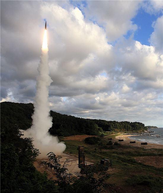 <h1>실시간 대응한 현무-2 탄도미사일 발사현장 포착</h1>