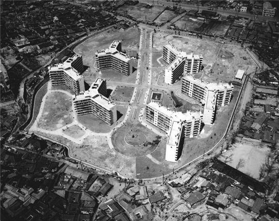1963년 항공촬영한 마포아파트 전경<사진:국가기록원>