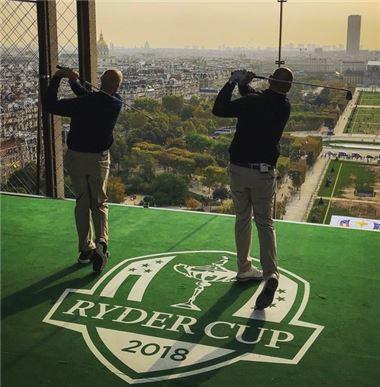"""[골프포토] 퓨릭과 비외른 """"에펠탑에서 티 샷을~"""""""