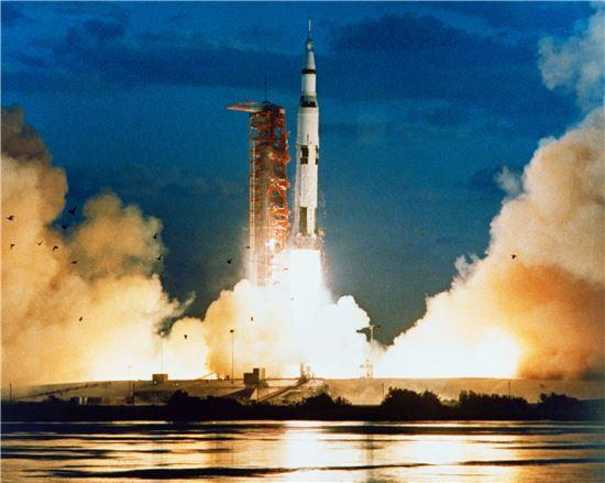 ▲아폴로4호가 1967년 11월9일 발사되고 있다.[사진제공=NASA]