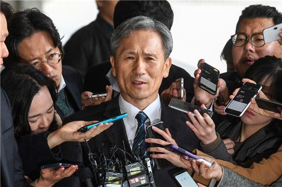 국민 10명 중 6명, 김관진·임관빈 석방