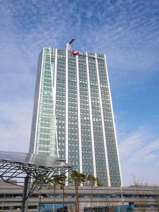추락하는 한국전력, 올해 실적 개선 가능성도 낮아…증권사 목표가 줄줄이 하향