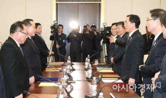 평창·군사회담 챙겼지만 이산가족 상봉·비핵화 놓쳐