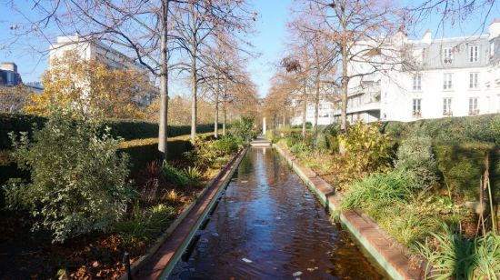 파리 '프롬나드 플랑테'. 과거 고가철길 상부에 만들어진 정원의 모습