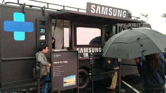삼성전자의 '삼성 케어 트럭'(사진=임온유 기자, LG V30로 촬영)