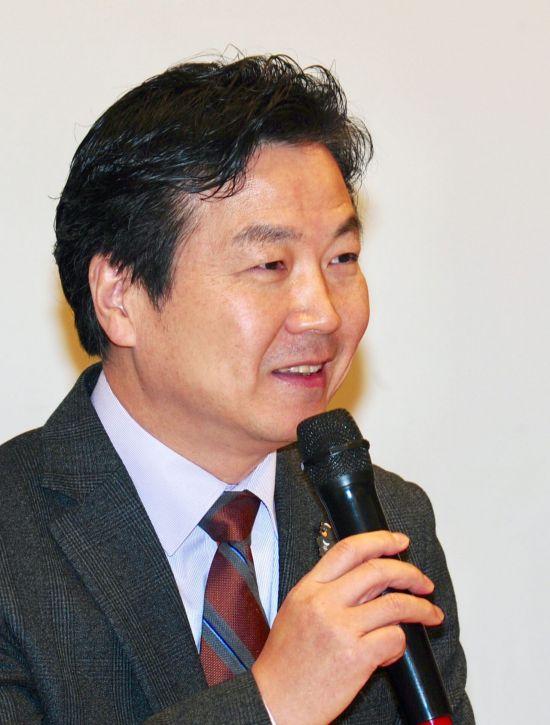 [단독]홍종학 벤처캐피탈 정책 1호, 등급제→전수조사 전환…부실우려시 시정권고