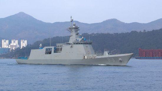 <h1>차기호위함 '대구함' 해군에 인도</h1>