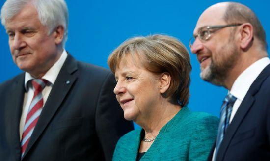 앙겔라 메르켈 독일 총리(가운데)와 마르틴 슐츠 사민당 대표(오른쪽) [이미지출처=로이터연합뉴스]