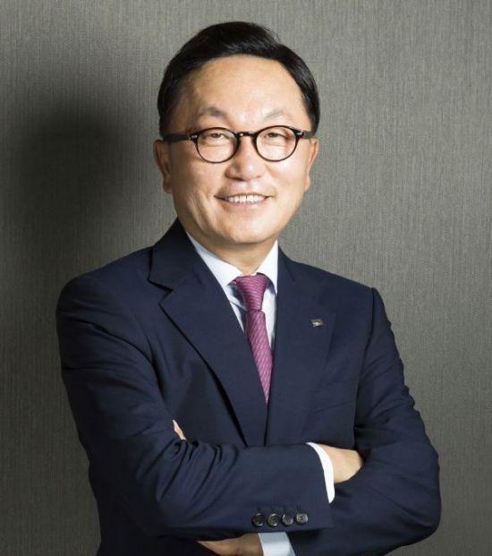 '황제놀이 논란' 박현주 회장, 해외로 '행방은 오리무중'