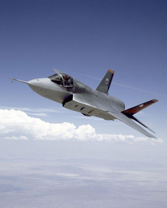 <h1>태극기 단 F-35 1호기 이달 나온다</h1>
