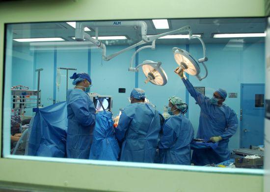 머시 내부의 수술실(사진=미 해군).