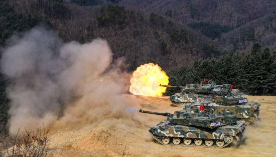 <h1>[양낙규의 Defence Club]최강 K2전차 1호기 직접 타보니</h1>