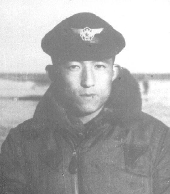 <h1>'4월의 호국인물'에  최종봉 공군소령 선정</h1>
