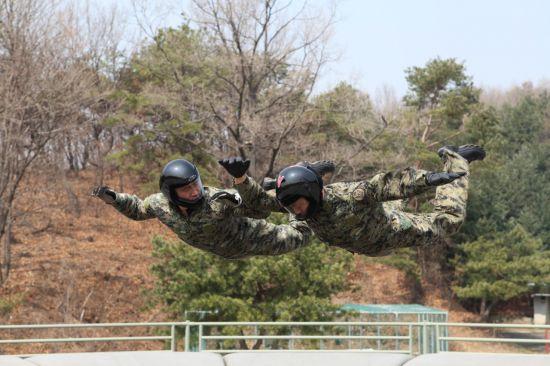<h1>[양낙규의 Defence Club]올해 시작된 한미 공수훈련</h1>