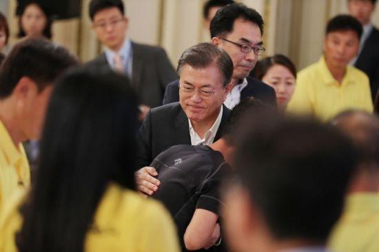 문 대통령, 세월호 추도식 불참…SNS로 '진실규명' 약속
