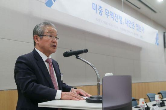"""""""미중 무역전쟁 최대 피해는 한국…신남방정책 가속화해야"""""""
