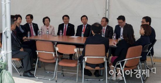 [포토] 천막농성 돌입한 자유한국당