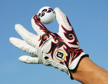 골프장갑은 다양한 역할을 수행하는 아주 중요한 용품이다.