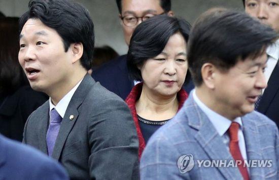 상복 투쟁에 자해 소동까지…여야, 공천내홍 '점입가경'