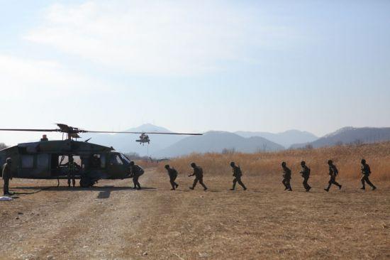 <h1>육군 7군단 강습훈련은</h1>