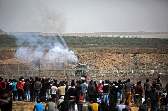 """""""가자지구 하마스, 이스라엘군에 공습중단시 시위자제 뜻 전달"""""""