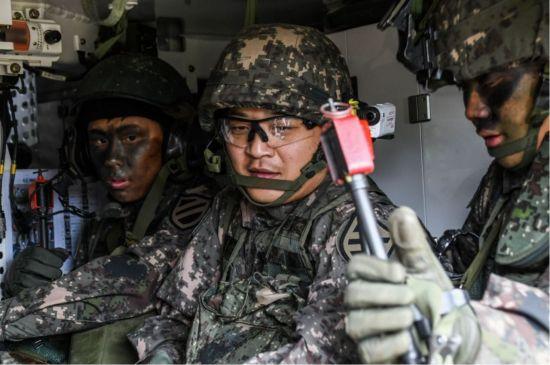 <h1>[양낙규의 Defence Club] 철벽 공수 육군 11사단 기갑수색 대대</h1>