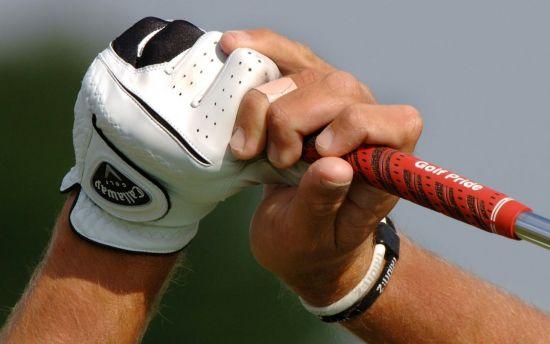 골프 그립은 몸과 클럽을 이어주는 가장 중요한 연결고리다.